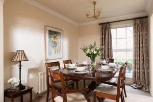 self-catering-belfast-dining_room_photo